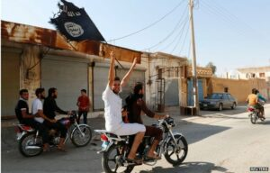 Syria conflict: Islamic State 'committed war crimes'